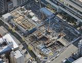 上空から見た新庁舎建設現場。手前が区役所・公会堂棟(写真提供・横浜市、2014年12月撮影)