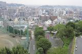 関東学院から区東部を見た様子(左奥が市大医療センター)(写真提供・南消防署)