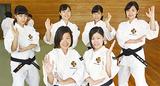 (前列右から時計回りに)林さん、山野井さん、川口さん、小林さん、小泉さん、藤本さん