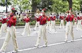 日枝小金管バンド「ブライトチェリー」(昨年の様子)