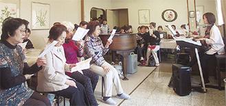 3月に行われた「花見会」(中村地域ケアプラザ提供)
