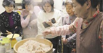 赤飯の作り方講座も(過去の様子)