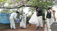 大岡川沿いを清掃