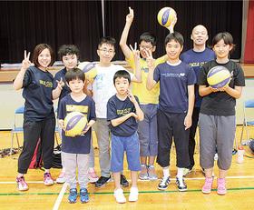 小中学生の参加者と指導者