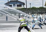 高地火災に備え送水訓練