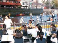 大岡川の船団 迎え入れ