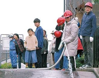 弘明寺町北ノ前町内会と行った合同防災訓練(昨年3月)