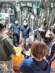 「横浜ビール」で話を聞く参加者
