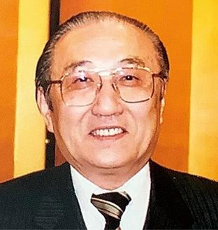 新堀豊彦さん(2004年撮影)