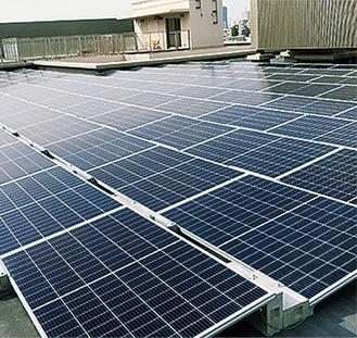 設置される太陽光発電パネルのイメージ(市提供)