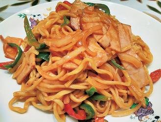 中華麺を使った「中華ナポリタン」