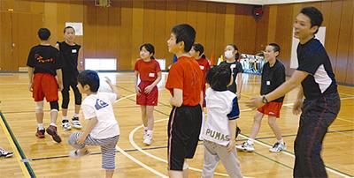 小中連携でバレー教室