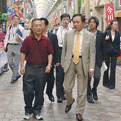 知事が横浜橋を視察