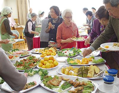 食事会で地域交流