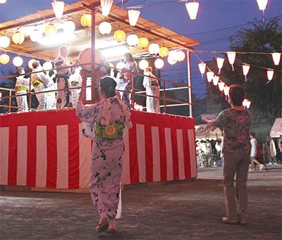 盆踊りで地域の輪