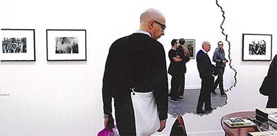 浜口さん、パリで個展