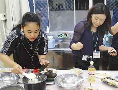 多国籍料理で交流