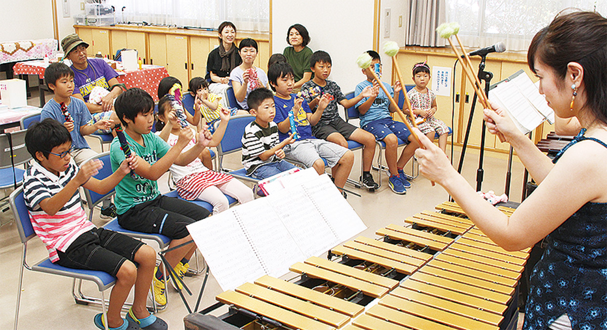 自作楽器で演奏に挑戦