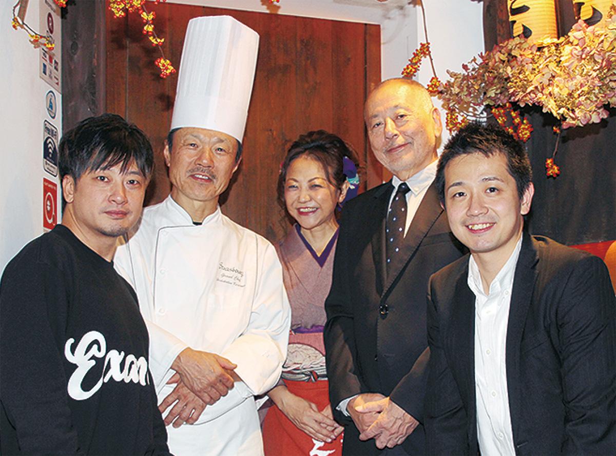左から北島さん、小山さん、えにし女将の田村由希絵さん、井上社長、湯浅さん