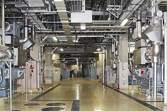 地下にある大型の熱供給施設