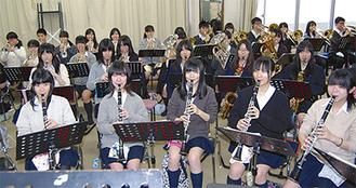 梅まつりコンサートに向けた合同練習を行う吹奏楽部(2月2日・桜丘高校)
