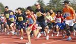 多くのランナーが参加した(3月10日・三ツ沢公園陸上競技場)