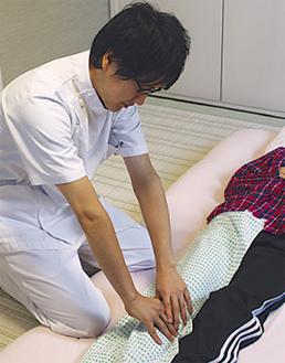 厚生労働省認可の国家資格を持つ鍼灸・マッサージ師が施術