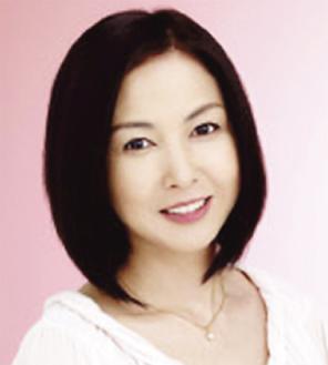 講演する麻木久仁子さん