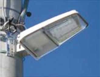 2009年に保土ケ谷区に設置された「かがつう」製の防犯灯