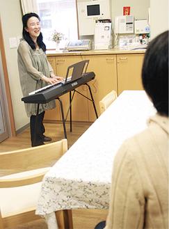 「歌って心も身体も元気になりましょう」と内藤さん