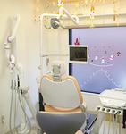 明るい診療室は半個室で落ち着いた雰囲気