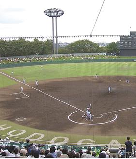 神奈川の高校球児にとって憧れの保土ケ谷球場