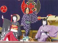 子どもたちが奉納歌舞伎