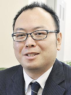親身になり相談に応じる松村代表