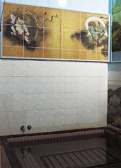 タイル画は男湯にも女湯にも新設された