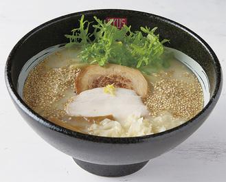 良質な鶏の旨味と野菜ポタージュの甘み、魚介ダシのコクが調和した鶏白湯