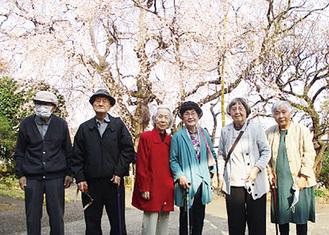 桜の季節は近所にお花見に