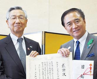 黒岩知事と横田社長(左)