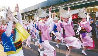 今年の阿波踊りは6団体が参加