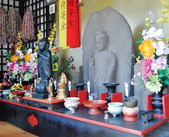 地元の守り神として崇められる「和田地蔵」