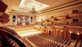 パイプオルガンが特徴の大ホール平舘平