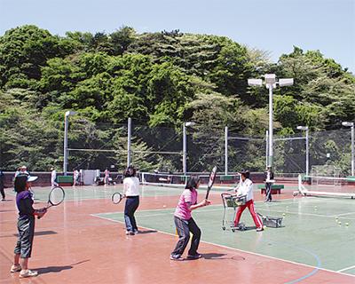 テニス教室の内容を拡充