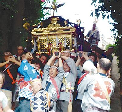 3年ぶりの神輿渡御