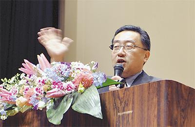上田氏政経懇に500人超