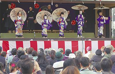 子ども歌舞伎に喝采