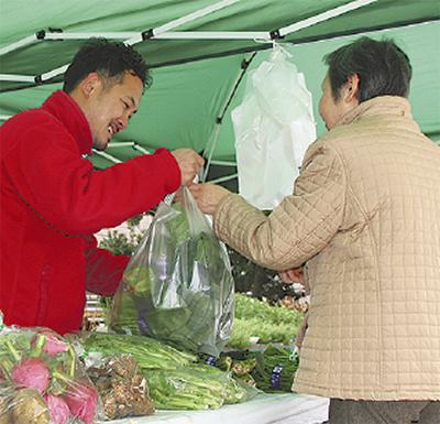 新鮮地場野菜ズラリ