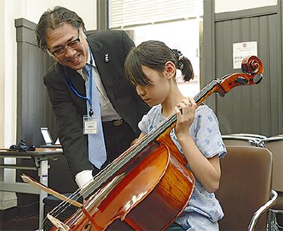 楽器製作や指揮者体験も