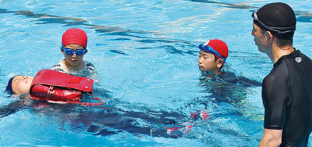 「慌てて泳がず、浮いて待つ」