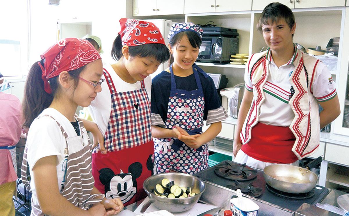 姉妹都市ブリガリア料理学ぶ