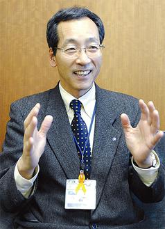 昨年を振り返り、今年への思いを語る山崎区長